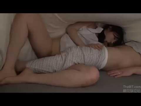 Mairi Mori phục vụ tình dục cho cậu chủ